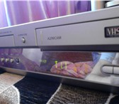 Фото в Электроника и техника DVD плееры продам видео и двд плеер 2 в1 в отличном в Москве 1000