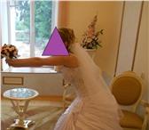 Фото в Одежда и обувь Свадебные платья Свадебное платье белое. Вверх украшен жемчугом в Смоленске 8000