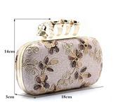 Foto в Одежда и обувь Аксессуары Клатч цвета Ivory, с камнями и вышивкой, в Краснодаре 1200